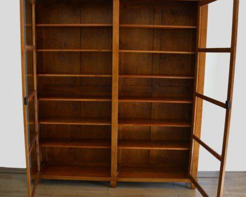 R13 Biedermeier Vitrine 200x220 cm