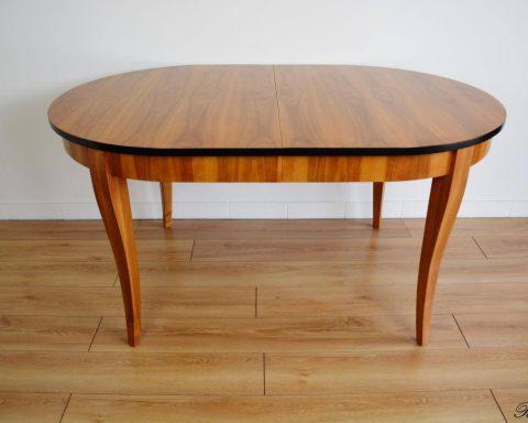 Ovaler Biedermeier Esstisch aus massiven Kirschholz