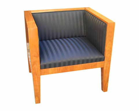Wunderschöner Cube-Sessel